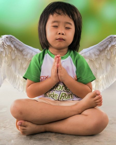 posture yoga enfant