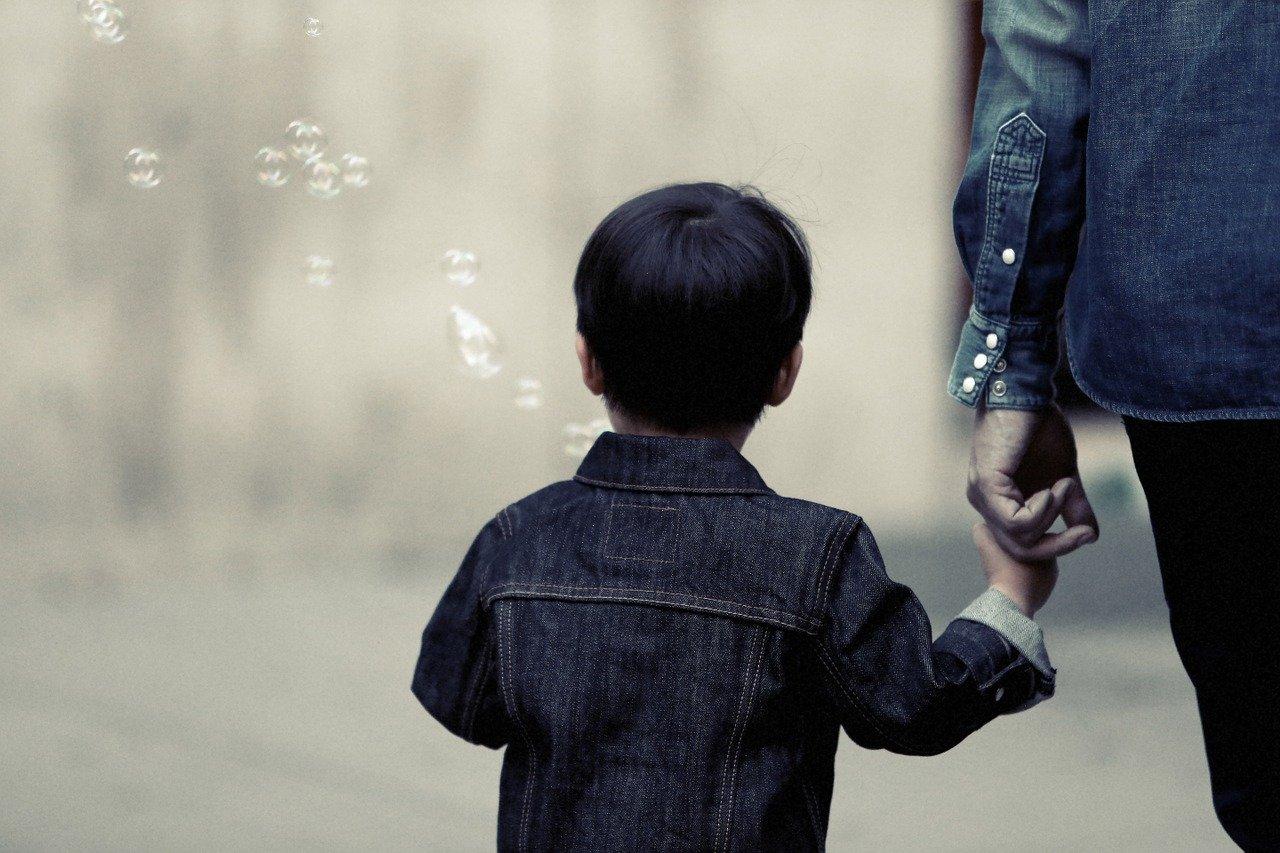 comment aider un enfant autiste
