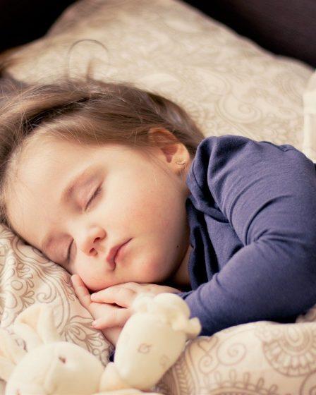 comment faire pour que mon enfant dorme seul